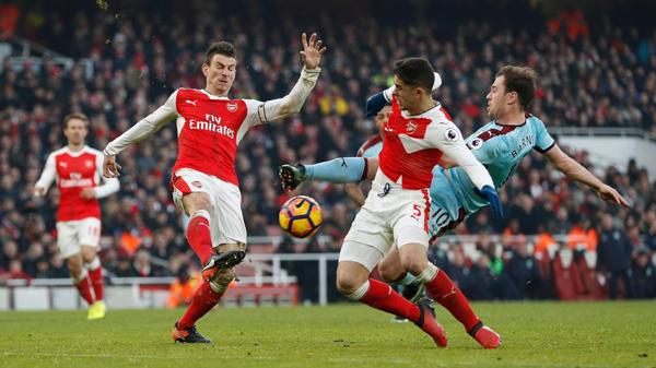 Arsenal vs Sunderland, 01h45 ngày 17/5: Thắng để hy vọng